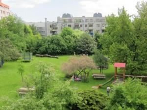 Der Hof des Kindergartens